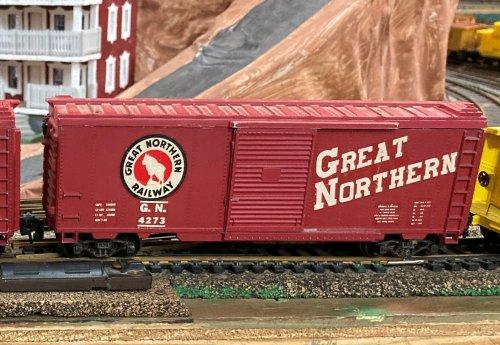 box 10 GN red kit 1957.JPG